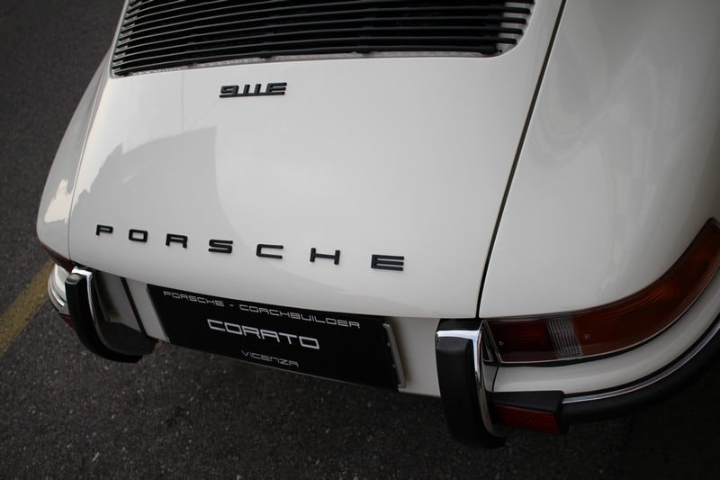 1972-porsche-911-2-4-e-targa-light-ivory-corato-alonso-authentic-porsche-restoration