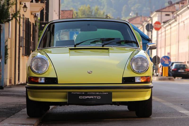1972 Porsche 911 2.4 E targa light yellow